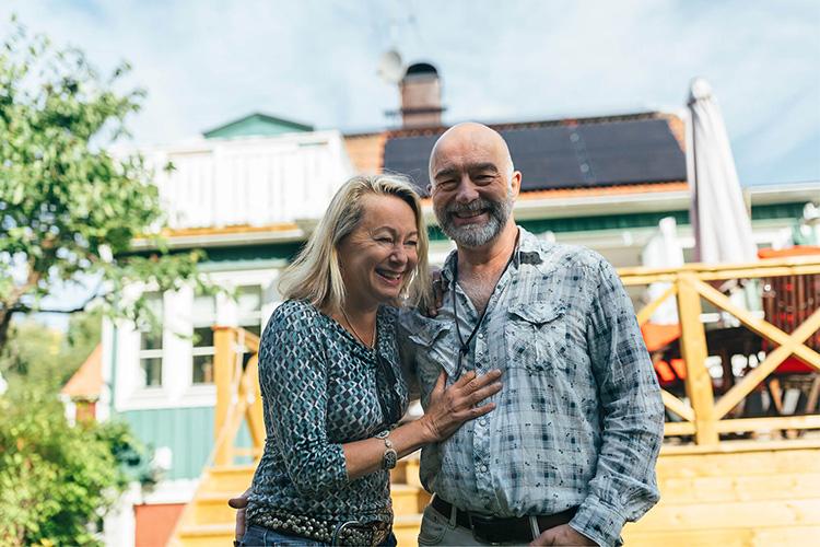 Klicka på bilden för att se mer om eltillverkning hemma hos Dan Bratt och Louise Hoffsten. Foto: Utellus