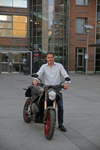Christian Olsson hade tänt sälja sin fina Zero S, men nappade istället på återköpserbjudandet. Foto: Petter Hammarbäck.