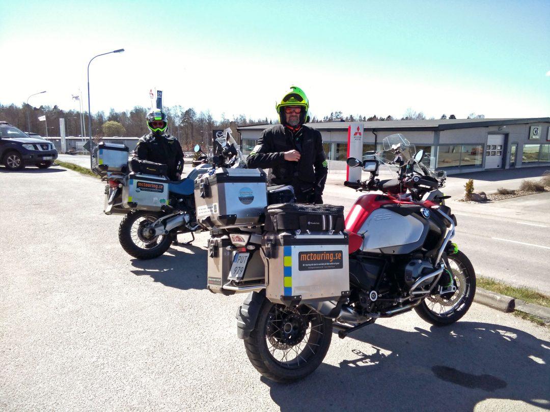 För Hans och Harry väntar nu en tur på 60 mil hem till Gagnef efter att ha varit på Mickes Motor i Växjö och provkört Zero.