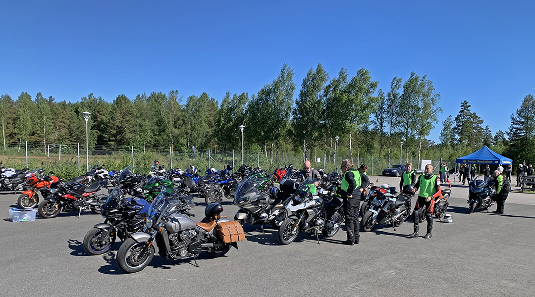Ett femtiotal knix-körare kom till Anderstorp och delades upp i tre olika grupper.