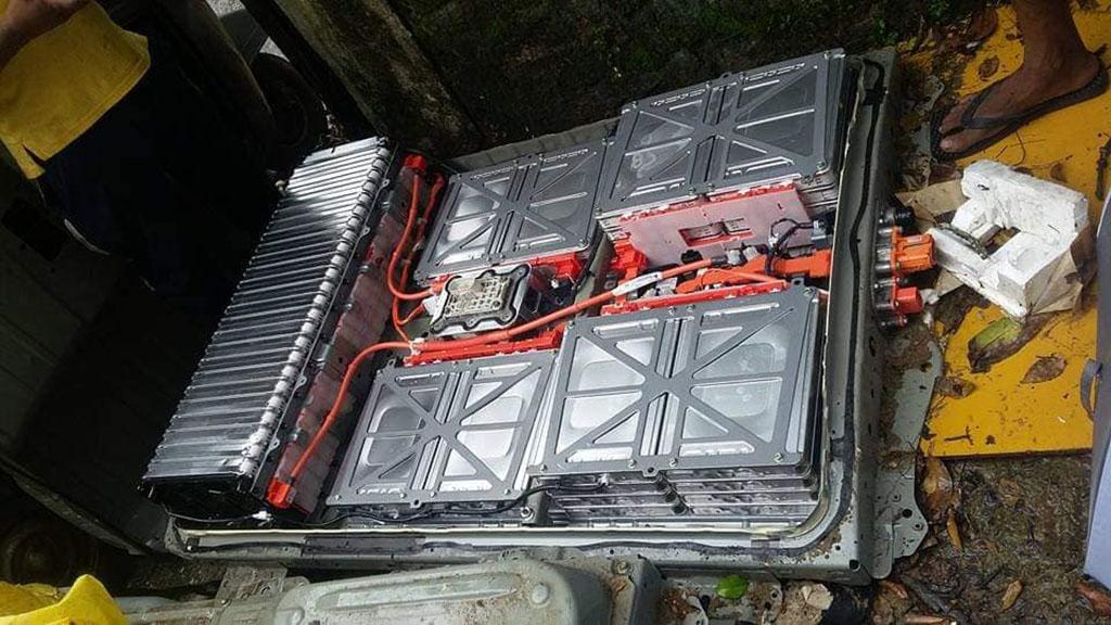 Batteripack till Nissan Leaf till salu på Facebook-gruppen Nissan Leaf Battery DIY: https://www.facebook.com/groups/leaf.diy