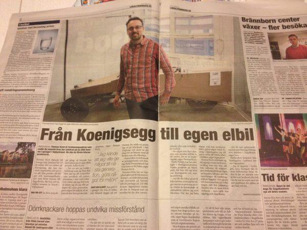 Reportage om bilkonstruktören som inte nöjer sig med att bygga Koenigsegg i Lokaltidningen Halmstad.