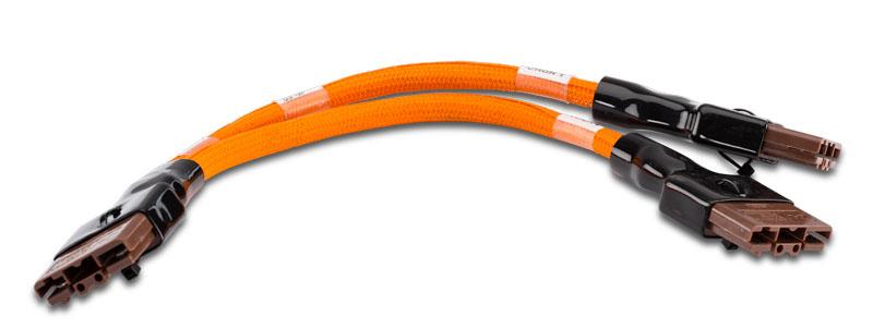 Med en Y-adapterkabel som denna från Zero går det att ansluta flera snabbladdare parallellt. Foto Zero Motorcycles