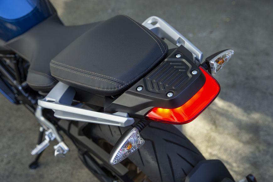 SR/S har fått en ny, förlängd bakände med bredare och längre passagerarkuts. Foto: Kevin Wing, Zero Motorcycles.
