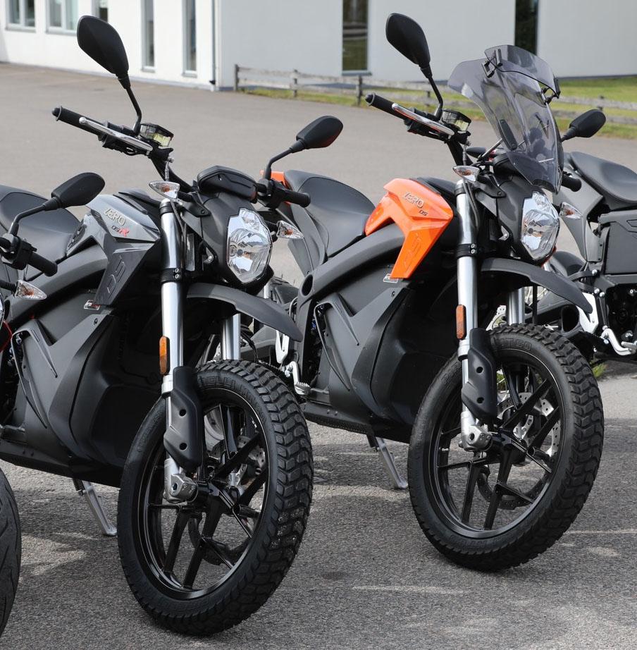 Zero DSR och DS är i det närmaste identiska förutom färg och elmotor. Foto Petter Hammarbäck
