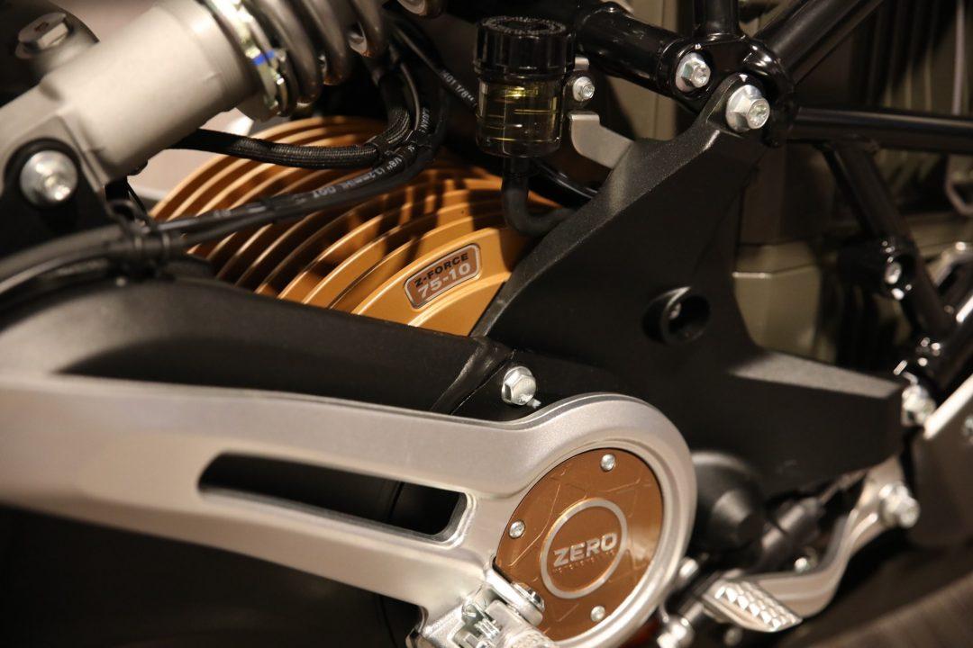 Den nya elmotorn ZF75-10 har blivit 43 precent större och bjuder även på 43 procent bättre prestanda. Minst!