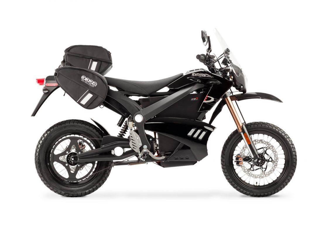 Zero DS av år 2012 utrustad med Zeros mjuka sadelväskor.Foto: Zero Motorcycles.